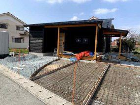 """嘉久志町C様邸 スキップフロアの家""""CAMP""""完成間近!"""